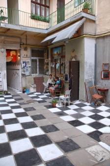 """galeria """"Coś ciekawego"""", Rynek 13, Lwów"""