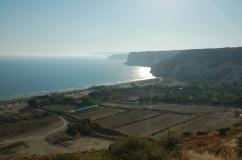 widok z Kurion na plażę Curium